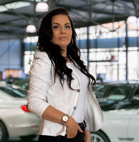 Elisa Dell